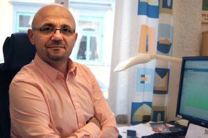 Murad Artin (V)